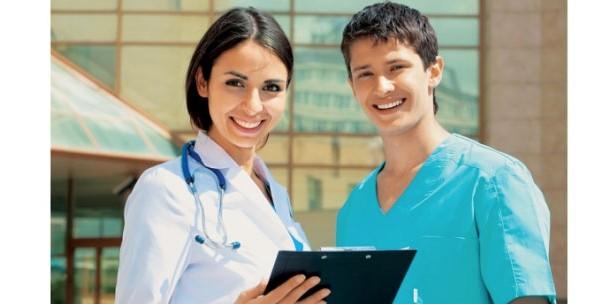 Στα κάγκελα οι νοσηλευτές για τη νομιμοποίηση της σχολής του Ερ.Σταυρού! Τι ετοιμάζουν