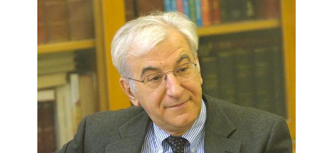 Καταπέλτης ο καθηγητής Μουτσόπουλος υπέρ των Νοσηλευτών